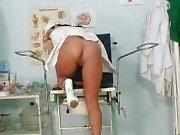 Büyük doğal göğüsleri Valentina Rush yaramaz hemşire