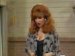 Christina Applegate en haar tieten stuiteren !