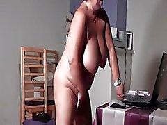 BBW volwassen babe masturberen kutje in bed