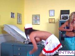 ÍntimoLésbicas - Jessica, Puma e Nicole fodidamente safado no escritório