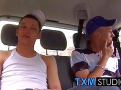 Kristian und Callum teilt sich eine große uncut dick von Scouser Danny