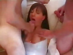 Sissy mit 2 Männern
