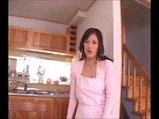 Japon Anne Meisa Her Çocuk Besliyor (MrBonham)