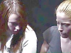 Gruppo del voyeur della vigilanza delle lesbiche mormoni spogliatura