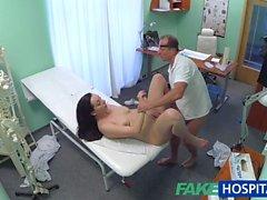 FakeHospital детка хотят чтобы сосать Док ее синиц