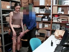 ShopLyfter - Hot Mixed Teen Vom Wachmann gefickt