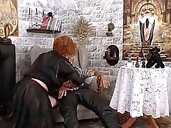 Granny gebruikt zwarte magie om genomen te worden