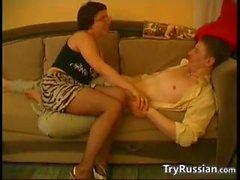 Nerdy Russian in Strumpfhosen
