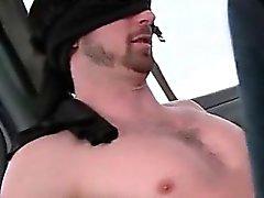 Punapää Gay syö suoraan kalu bussi