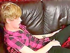 Imagens de emo de Twink Austin Ellis puxando sua schlong rígida
