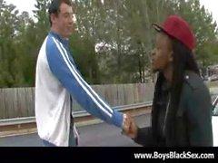 Seksi bir kara gay erkek sert 04 white gençlerin güveniyorsun ahbap becermek