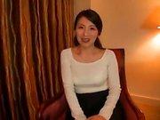 Enge haarige Muschi japanische Teen Hardcore-Sex-Video
