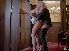 Leggy blonde in high heels Victoria Redd gets screwed standing up
