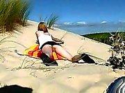 18yo teen nudisten av på stranden
