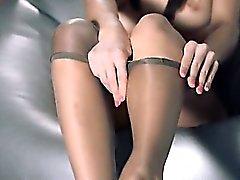 Babys im Pantyhose Erotik mit Riemen auf