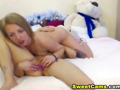 Lesbian Couple in a Hot Pussy Licking and Fingering Action