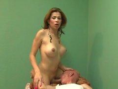 Transsexuell sjuksköterska - Scene 3