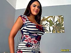 Perfect boobed girl Valery Summer loves facesitting so much