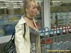 captador de MILF alemão para o sexo anal