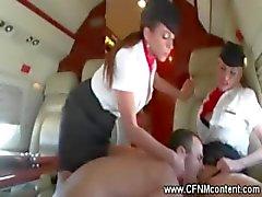 Flygvärdinna knulla sin höga reklamblad kuk