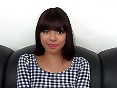 Svegli 18 Year Old di Latina In Casting Couch !