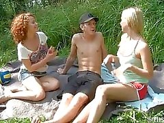 Volleyball Vixens Give Freien Blasen Threesome