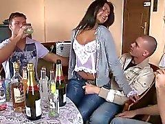 Hustru med vänner