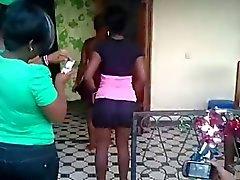 Candido africano del scossa culo