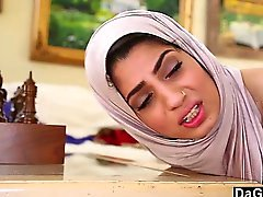 Dagfs en arabe Poussin de Nadia Ali Tastes coq blanc