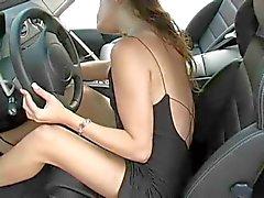 Rene , jonge naakte roodharige meisje in de auto !