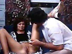 Linda Lovelace, Harry Reems in 70s porn brunette gives deep