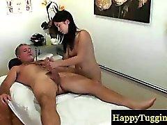 Massaggiatrice Asian rende il suo sperma client disco