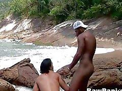 Latino Минет без секса на берегу моря