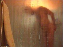 Je me branle sous la douche