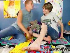 Twink gay dads sexo 3gp vídeos primeira vez Kayden Daniels e