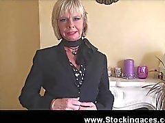 Телосложение Аппетитный Блондинка милф Cathy готов для работы