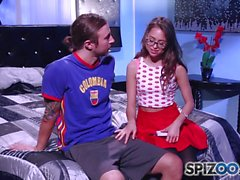 Spizoo - Riley Reid é uma puta bonita e sexy que adora galos