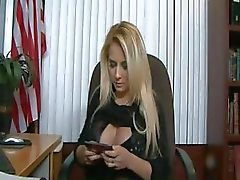 Blonde tetona follar en de Office