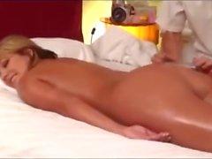 Hot Blonde супруга Fucked В конце бесплатный массаж
