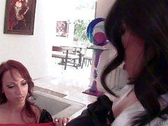 Reizvolle Lesbian Prügel ist bei Nicki Hunter Cindy Sternfall