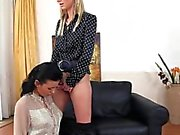 Kinky pissing lesbians