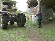 Murmure und Vater ficken na cova Ferien do dem do auf Bauernhof