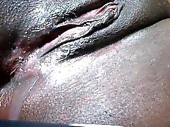 Negro coño chorreando después de corrida dora de 1fuckdatecom