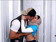 Deux femmes Arab Juliana Vega et Mia de Khalifa partagé une queue