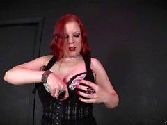 Cock Craving Goth Groupie Fucked Entre bastidores EMO Lady Fyre