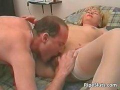 Horny mature blonde slut gets that hairy