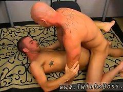Гей секс Stories мужчина мальчиком Muscle Вверх Mitch Vaughn Slams Паркет