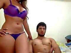 Rencontres latine amoureux CoupleBlast