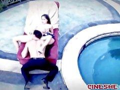 Tras cenar cerca piscina El sexo Marco Banderas Mikayla de