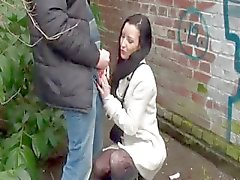 Tania een milf analfucked